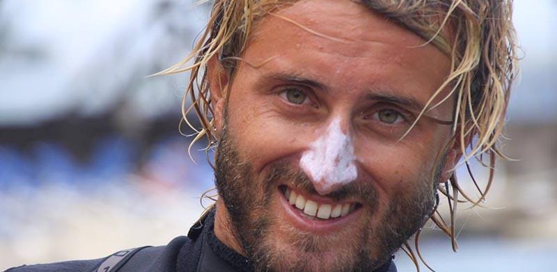 Arthur, le moniteur de windsurf